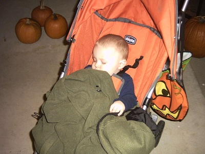 ace-zonked-out-after-halloween-2007.jpg