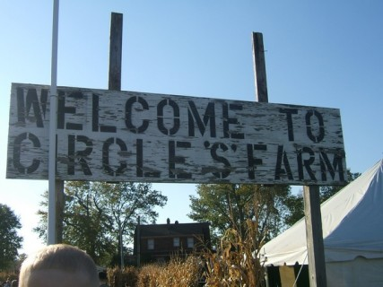 Circle S Farms - Sign